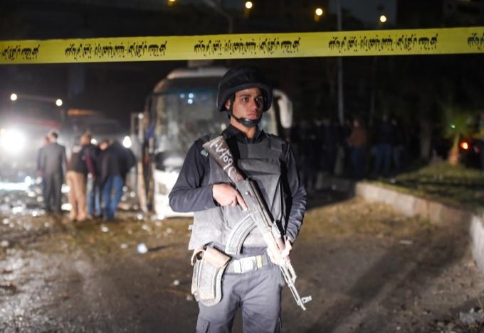 Scenes of bus blast that killed three Vietnamese tourists in Egypt - 5