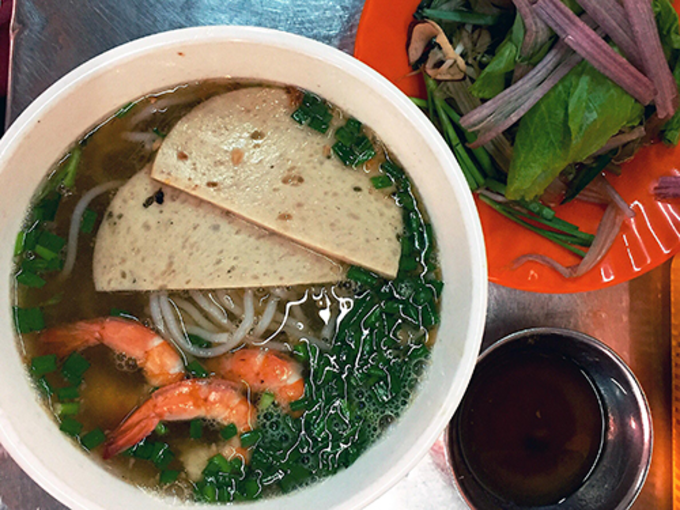Eat authentic Vietnamese gumbo at Saigon market