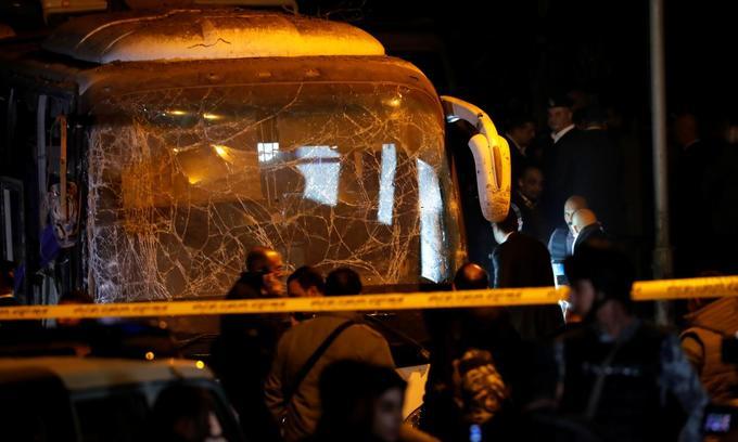 Vietnam urges Egypt to grant urgent visas for families of bomb blast victims