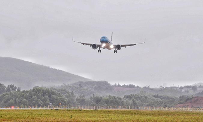New Vietnam international airport welcomes first passenger flight