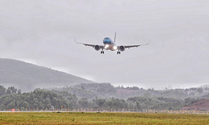 New Vietnam international airport welcomes first passenger flight
