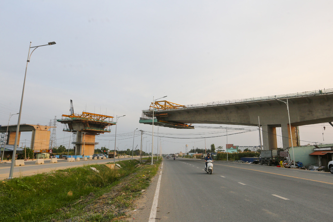 Longest expressway in southern Vietnam nowhere near completion after 4 years - 8