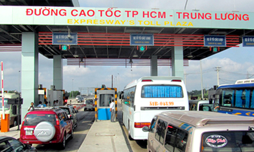 Vietnam arrests five people for toll booth tax evasion