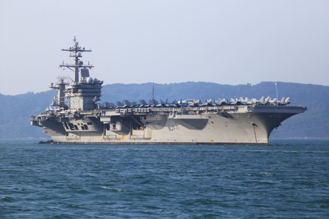 U.S. aircraft carrier the USS Carl Vinson docks in Da Nang City on Vietnams central coast for a historic five-day port call on March 3, 2018. Photo by VnExpress/Nguyen Dong