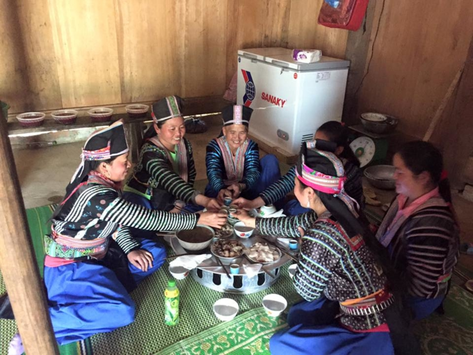 HMong women toast their traditional New Year holiday. Photo by VnExpress/Quoc Tuan