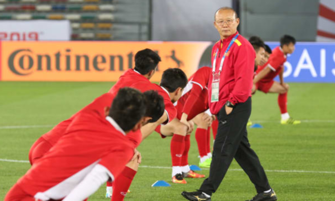 Head coach Park Hang-seo in a teams training. Photo courtesy of AFC.