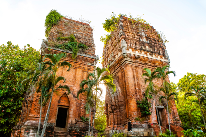 Twin  Tower, a remnant of Champa Kingdom in Quy Nhon city, Binh Dinh province. Photo by Shutterstock/Big Pearl