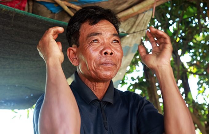 Lac Son, 58, recalls the night he and his family ran away from their home village in Svay Rieng Province, Cambodia. Photo by VnExpress/Phuoc Tuan
