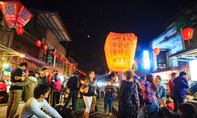 11 Vietnamese migrants found in Taiwan cargo truck