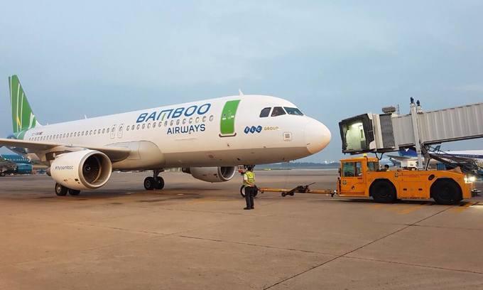 Bamboo Airways maiden flight lands in Hanoi