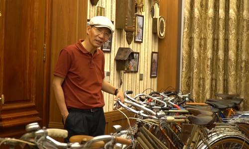 This Hanoi man owns over 100 vintage French bicycles
