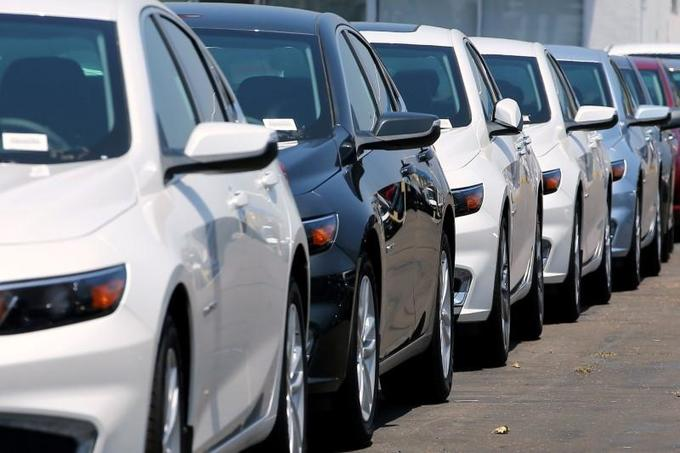 Vietnamese company to gift cars to top workers for Tet
