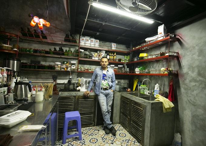 Hanoi café wheels into a new level of recycling - 3