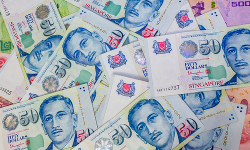 Vietnamese man fined $6,000 for carrying a lot of cash into Singapore