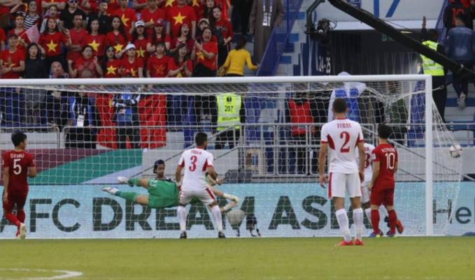 Jordan goal invalid, say experts and referees