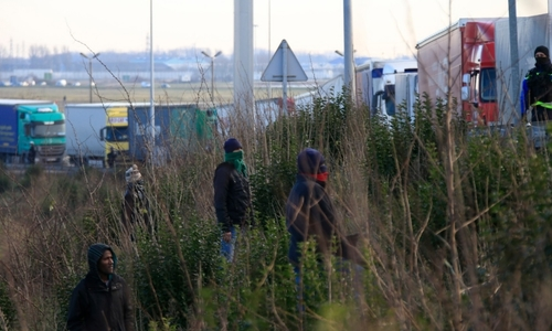 10 Vietnamese caught while being smuggled from France to UK