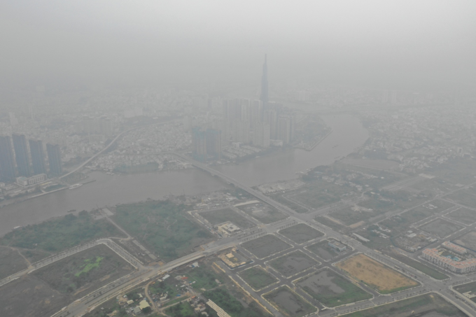 Foggy Saigon raises air pollution concerns