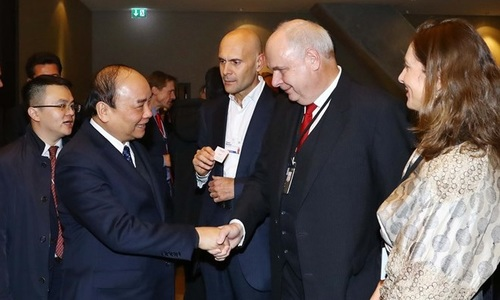 PM Phuc at Davos: Industry 4.0 a policy revolution for Vietnam