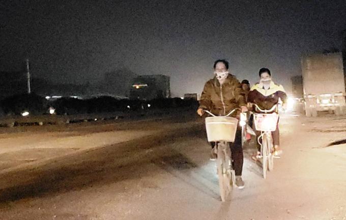 Death traps put pedestrians in Northern Vietnam in constant fear - 11