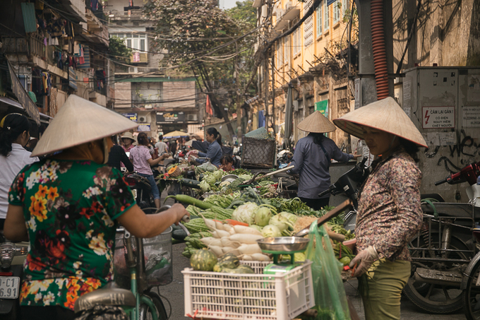 On the outside looking in: A US American in Vietnam