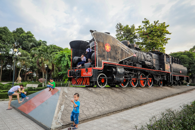 117-year-old plant continues to make train cars - 10