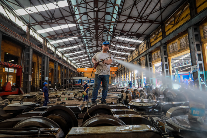 117-year-old plant continues to make train cars - 2