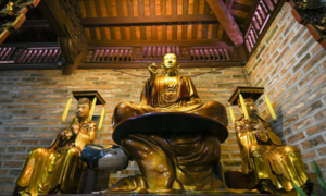 Where the Buddha sits on the back of a king