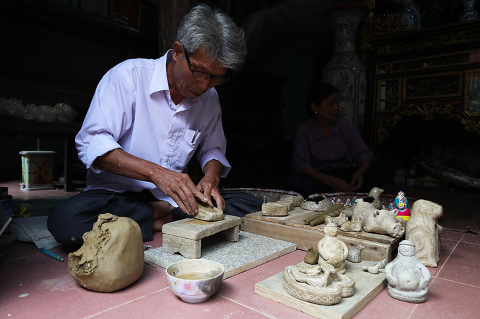 Artisan sustains legacy of clay statue making in northern Vietnam