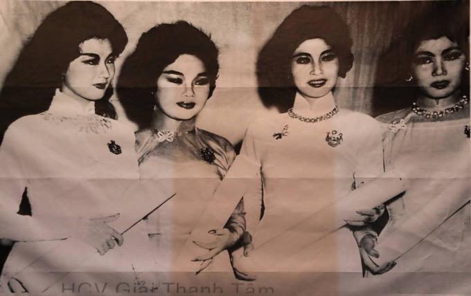 Saigon street exhibition honors Vietnam folk operaSaigon street exhibition honors Vietnam folk opera - 2