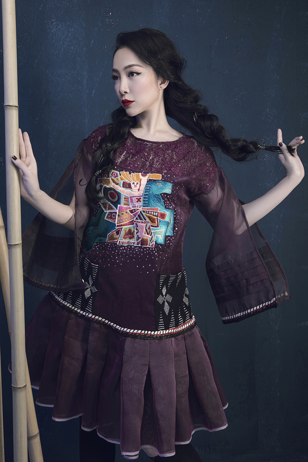 Heroic folk tale inspires Vietnamese designers latest collection Prominent Vietnamese designer Vu Viet Ha has come up with a new collection inspired by folk tale imagery.  - 4