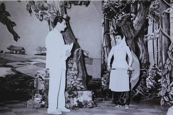 Saigon street exhibition honors Vietnam folk operaSaigon street exhibition honors Vietnam folk opera - 8