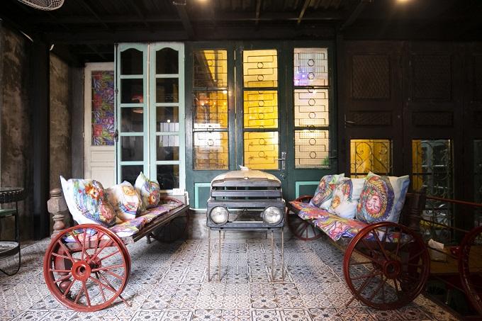 Hanoi café wheels into a new level of recycling - 1