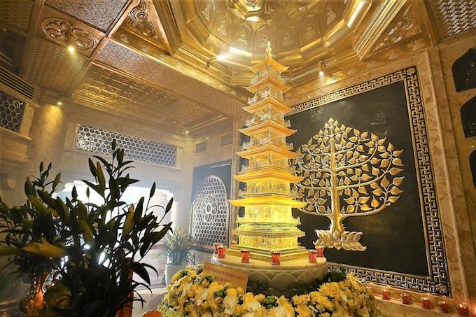 Vietnams tallest mountain acquires a spiritual dimension - 11