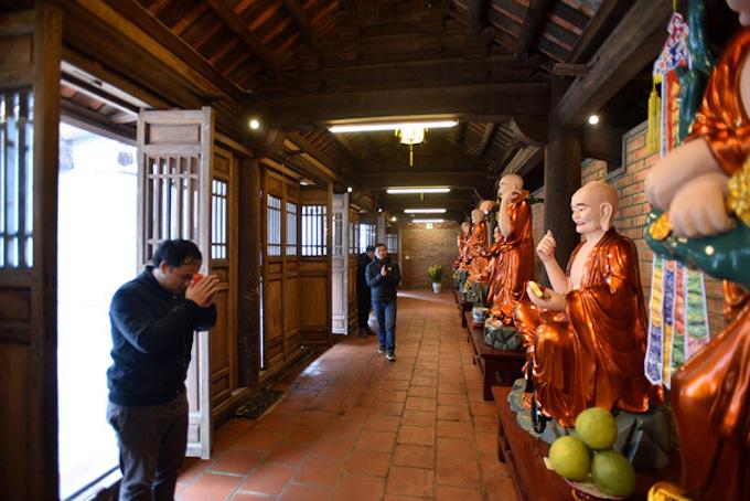 Vietnams tallest mountain acquires a spiritual dimension - 6