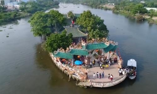 Saigon's floating temple a porcelain wonder