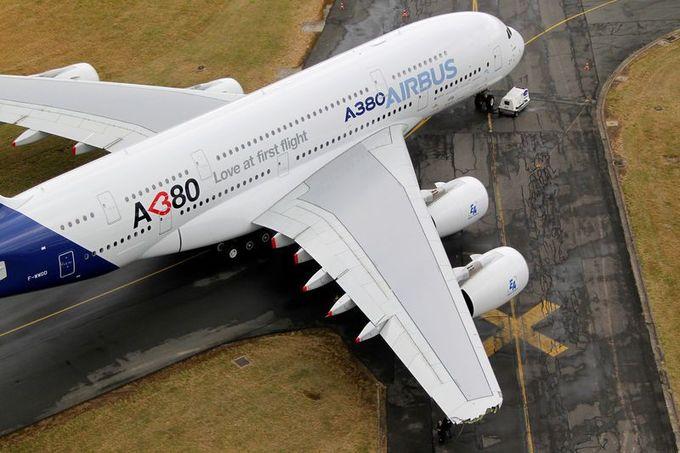 Airbus to scrap A380 superjumbo production as sales slump