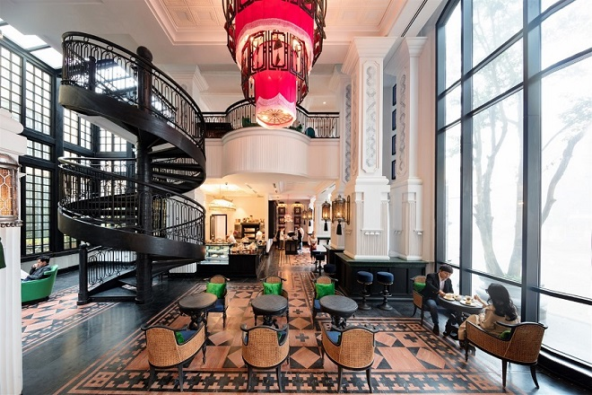This French-style hotel has imprints of the traditional cultures and styles of the hill tribes inhabiting the northwest.