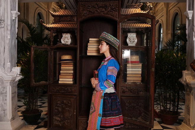 The antique cupboard features Vietnamese pagodas and rustic pottery. Every corner of Hotel de la Coupole, MGallery by Sofitel has an enchanting mix of French haute couture and Vietnamese hilltribestyles.