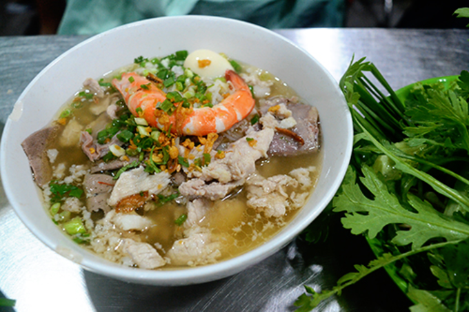 10 noodle shops loved for many years by Saigonese