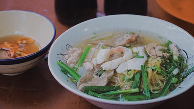 Nine noodle shops Saigonese have loved for many years - 5