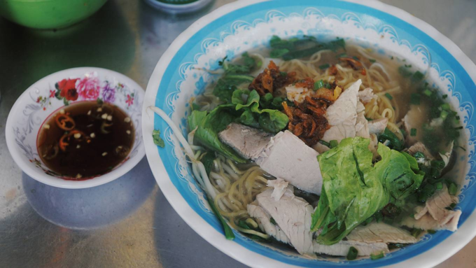 10 noodle shops loved for many years by Saigonese - 1