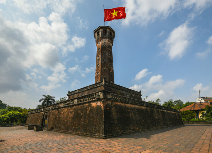 Hanoi Flag Tower stands proud after 200 years - 1