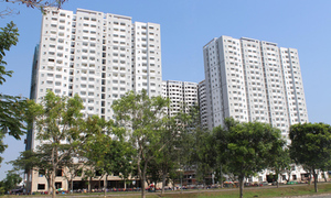 Rent, don't buy homes: former official advises Vietnamese youth