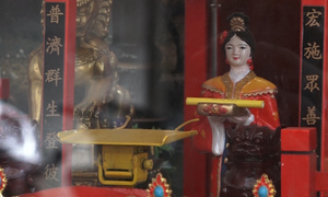 Saigon pagoda upgrades fortune telling to Industry 4.0 era