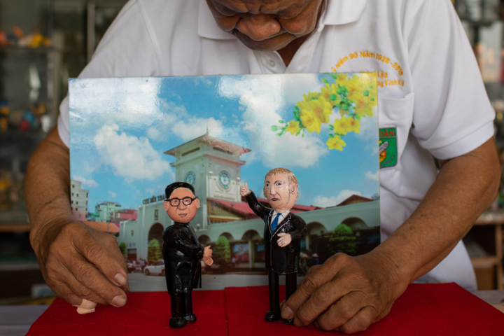 Teacher in Saigon makes US, North Korea leaders from eggshell - 6