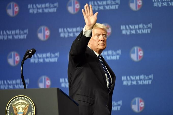 Talks break down over sanctions, Trump to leave Hanoi sooner