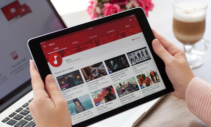 Blue chip stock plummets after YouTube 'incident'