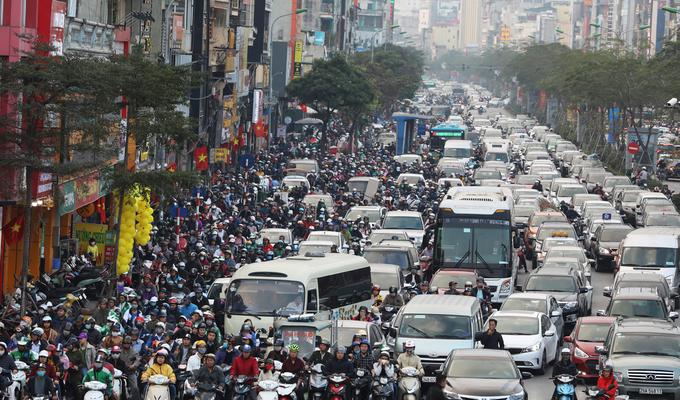 Hanoi transport department unveils plan to scrap motorbikes in a decade