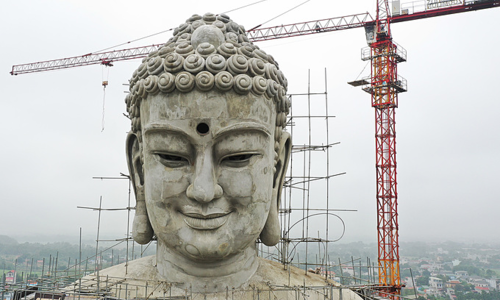 Gigantic Buddha to smile over Southeast Asia from Vietnam
