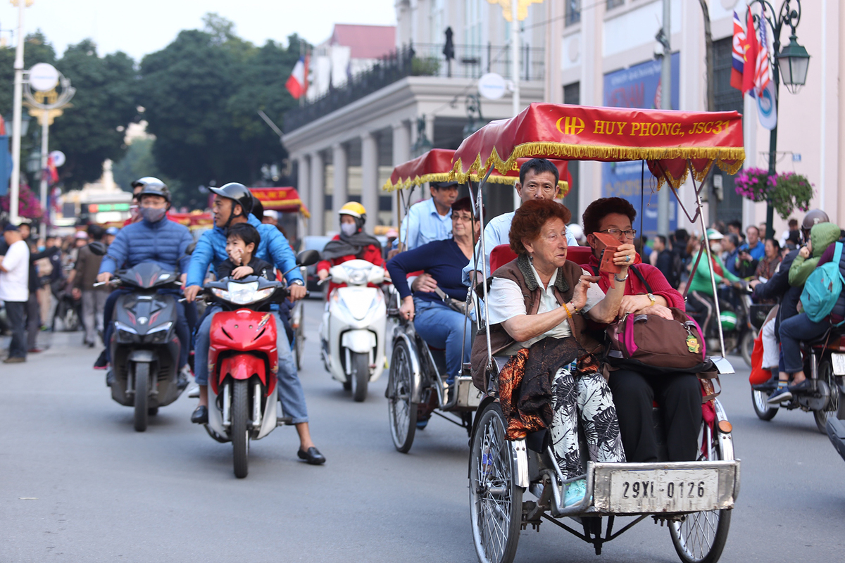 Vietnam a safe destination, but roads a safety risk - VnExpress ...